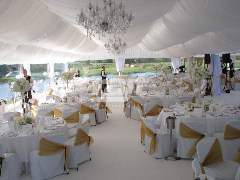 Hale namiotowe na wesele organizowane w plenerze przez firmę RAJT BIS